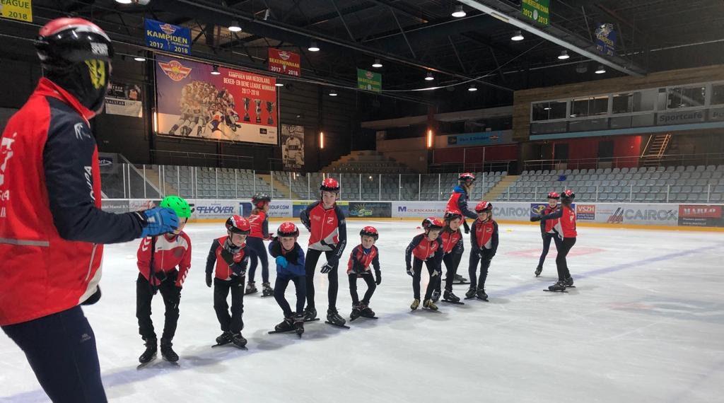 Training jeugdschaatsen Den Haag Uithof SC Gouda